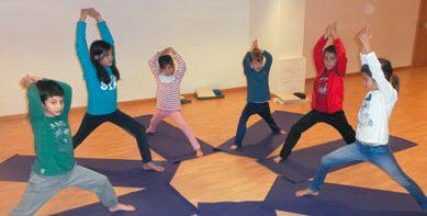 Actividad-yoga-infantil-4-389x233